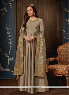 We are one of the finest and well liked for fashion dresses online and shop online for dresses in india. Take this eye-catchy handwork work tafeta silk readymade gown online. Anarkali Gown, Long Anarkali, Anarkali Suits, Lehenga Choli, Gown Pattern, Floral Gown, Floor Length Gown, Designer Gowns, Designer Anarkali