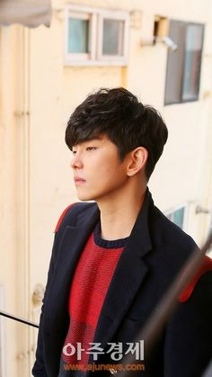 I wish K-ent had more talented actors like Yoon Kyun Sang these days. Tall, strapping, manly actors who command the screen even in a small role, elevating limited screen time into an unforgettable performance. Kyun Sang, Pinocchio, Got Him, Asian Men, Korean Actors, Kdrama, Singing, Success, Passion