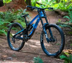 To increase your enjoyment of mountain biking, the right shoe is necessary. A shoe created particularly for the mountain bicycle rider is the way to go. Mtb shoes come in a variety of prices, from … Downhill Bike, Mtb Bike, Cycling Bikes, Cycling Equipment, Best Mountain Bikes, Mountain Bike Shoes, Mountain Biking, Velo Dh, Transition Bike