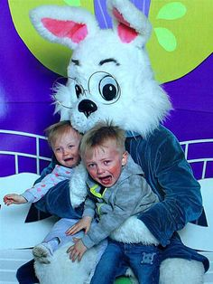 kids afraid of the easter bunny at DuckDuckGo Funny Easter Bunny, Easter Bunny Pictures, Happy Easter, Creepy Dude, Scary, Funny Kids, Funny Cute, Crying Kids, Vintage Magazine