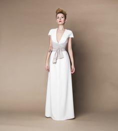 Langes Brautkleid Standesamtkleid creme beige mit breitem Gürtel