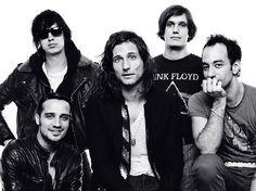 "Canal Electro Rock News: The Strokes lança novo EP ""Future Present Past"""