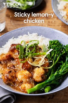 Chinese sticky lemon chicken Sticky lemon chicken is a Chinese takeaway staple, so why not give it a go at home? Golden chunks of chicken are smothered in an irresistible sweet-yet-tangy sauce for this Friday night dish. Sticky Lemon Chicken, Honey Lemon Chicken, Slow Cooker Recipes, Cooking Recipes, Cooking Pasta, Seared Salmon Recipes, Asian Recipes, Healthy Recipes, Chinese Recipes