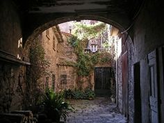 old town of Agde
