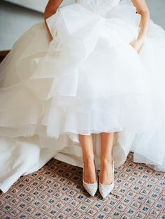 White pointed toe pumps: Photography: Sara Hasstedt - http://www.sarahasstedt.com/