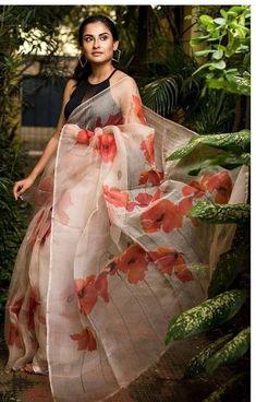 Indian Wedding Sari, Saree Wedding, Wedding Wear, Bridal Sarees, Bollywood Saree, Bollywood Fashion, Bollywood Outfits, Organza Saree, Silk Sarees