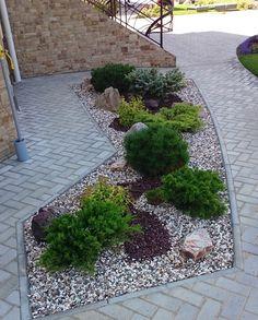 35 Popular Xeriscape Landscape Ideas For Your Front Yard Front Yard Landscaping, Backyard Landscaping, Landscaping Ideas, Garden Yard Ideas, Garden Landscape Design, Back Gardens, Big Planters, Gardening, Cinder Blocks