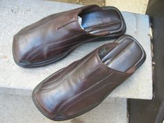 Skechers Brown Used Mules Clogs 12 they have these only with the back they make my feet look HUGE