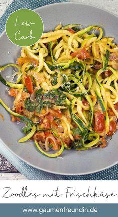 Low carb zucchini spaghetti with cream cheese and tomatoes . - Low carb zucchini spaghetti with cream cheese and tomatoes Fast low-carb zucc - Zucchini Noodle Recipes, Zucchini Pasta, Healthy Pasta Recipes, Clean Eating Recipes, Veggie Recipes, Vegetarian Recipes, Chicken Recipes, Zoodle Recipes, Tilapia Recipes