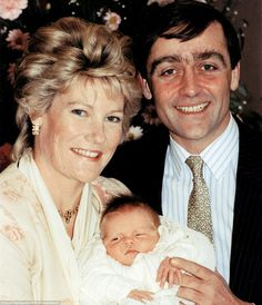 The Duke And Duchess Of Westminster with their newborn son, Hugh Richard Louis Grosvenor, in 1991 Prince William And Catherine, Prince Philip, Duke And Duchess, Duchess Of Cambridge, Hugh Grosvenor, Royal Throne, Handsome Asian Men, Royal Christmas, Caroline Kennedy