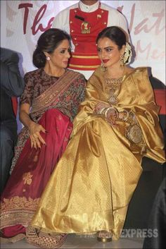 Veteran Bollywood actress Rekha was honoured with the Yash Chopra Memorial Award in Mumbai on January Ranveer Singh along with the veterans including Shatrughan Sinha, Poonam Dhillon and Sridevi were in attendance at the ceremony. Bollywood Designer Sarees, Bollywood Fashion, Bollywood Outfits, Bollywood Saree, Indian Celebrities, Bollywood Celebrities, Indian Designer Outfits, Indian Outfits, Indian Clothes