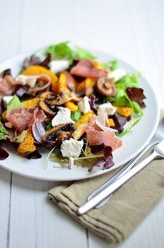 herfst salade salad with roasted pumpkin Feel Good Food, I Love Food, Asian Cookbooks, Salad Recipes, Healthy Recipes, Healthy Food, Happy Foods, Vegetable Sides, Recipes For Beginners