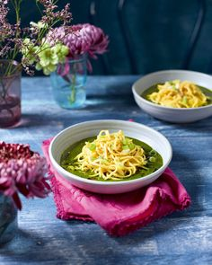Garlic Spinach Longevity Noodles Recipe In 2019 Spring Table Onion Vegetable, Vegetable Recipes, Chicken Recipes, Longevity Noodles, Spinach Health Benefits, Garlic Spinach, Pineapple Recipes, Delicious Magazine, Noodle Recipes