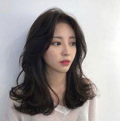 Haircuts Straight Hair, Haircuts For Medium Hair, Medium Hair Cuts, Medium Hair Styles, Curly Hair Styles, Korean Long Hair, Asian Short Hair, Asian Hair, Korean Short Hairstyle