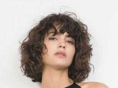 Pretty Short Curly Hair Ideas with Bangs