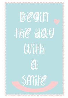 Illustration citation positive en anglais Begin the day with a smile, bleu scandinave, rose, jolie typographie