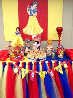 Snow White Birthday Party Ideas | Photo 2 of 6
