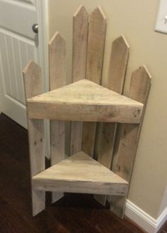 Pallet corner Shelf #PalletCorner, #PalletFurniture #palletfurnitureshelves