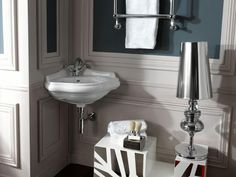 How to make a small bathroom visually bigger? Well, we have some useful bathroom hacks and design tricks that can help you create an oasis Bathroom Design Small, Bathroom Interior Design, Contemporary Mosaic Tile, Bathroom Hacks, Bathroom Ideas, Shower Cabin, Retro Bathrooms, Corner Sink, Bathroom Sink Vanity