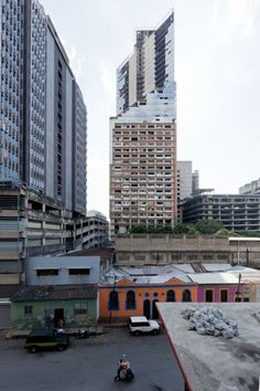 Radical Cities, Radical Solutions: Justin McGuirk's Book Finds Opportunities In Unexpected Places