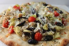 greek chicken pizza #weekdaysupper  @casadecrews