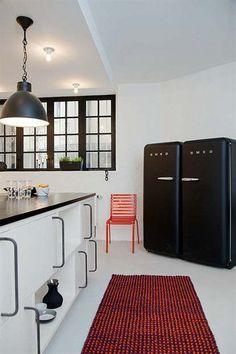 Frigorífico FAB50, mini-nevera FAB5 y combi FAB32, doble puerta FAB30 de Smeg. Colección de electrodomésticos de diseño retro estilo años 50. Made in Italy.