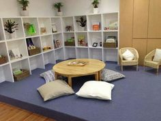 Love low table with pillows instead of chairs Reggio Classroom, Classroom Organisation, New Classroom, Classroom Design, Childcare Environments, Childcare Rooms, Learning Environments, Kid Spaces, Living Spaces