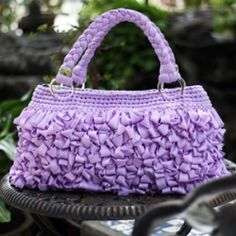 I am addicted to this bag.... Make yours too today!!! Click the photo to get the details!