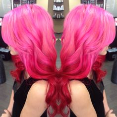 fuckyeah-dyedhair:  Littlekittybabe and my brand new mermaid hair!