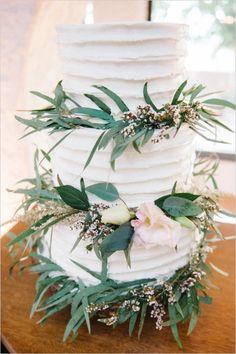 white buttercream wedding cake by leaf http://www.weddingchicks.com/2013/10/02/romantic-fall-wedding-ideas/