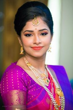Shopzters is a South Indian wedding site Beautiful Saree, Beautiful Indian Actress, Silk Kurti Designs, Blouse Designs, Saree Hairstyles, Bridal Hairstyles, Indian Beauty Saree, Indian Sarees, Indian Bollywood