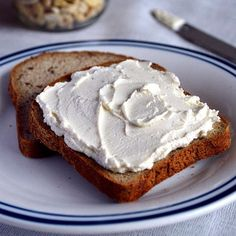 Roasted Garlic and Herb Vegan Cream Cheese