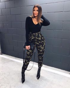 A smile a day keeps the doctor away.Loving these camo pants from one of my faves MISSPAP camo . Classy Outfits, Sexy Outfits, Trendy Outfits, Fashion Outfits, Army Pants Outfit, Camo Pants, Camoflauge Pants, Camo Fashion, Fashion Boots