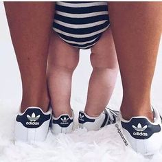 Daddy And Son, Mom Son, Mommy And Me, Mom And Dad, Mommy Daughter Pictures, Sibling Shirts, Adidas Stan Smith, Future Baby, Baby Pictures
