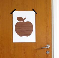 Tryck med äpple av Mona-Lisa Jespersen. Teak, Mona Lisa