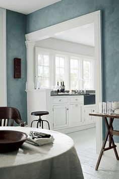 It only takes one day to update your home with beautiful texture. Refresh your walls with River Rock Specialty Finish paint in a cool grey blue like Grand Wash.