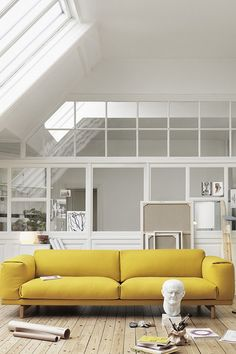 Un canapé design jaune citron, Muuto