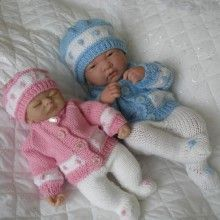 Premature Baby Knitting pattern Dolls To Knit Cable Cardigan Hat Boots Baby Boy Knitting Patterns, Knitted Doll Patterns, Baby Cardigan Knitting Pattern, Baby Clothes Patterns, Knitted Dolls, Baby Patterns, Knitting Dolls Clothes, Crochet Doll Clothes, Baby Born Clothes