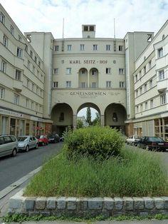 Vienna Karl Seitz Hof 1926-27 Art Deco Architecture Austria, Art Deco Buildings, Danube River, Imperial Palace, Building Art, Most Beautiful Pictures, Art Nouveau, Cities, Around The Worlds