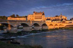 Viajar en Navidad a los Castillos del Loira Palace, Around The Worlds, Mansions, House Styles, Castles, Happy, Winter Travel, Christians, Lights