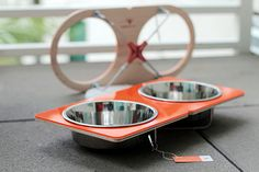 The brainchild of two San Francisco-based architects, Drip Module creates limited-production minimalist designs for home and pets. Their range of elevated feeders includes over 10 unique designs, each featuring colorful acrylic, ApplePly, or a blend of both.
