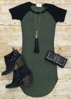 Home Team Tunic Dress: Olive, maybe with some thin leather leggings Mode Outfits, Skirt Outfits, Winter Outfits, Summer Outfits, Fashion Outfits, Womens Fashion, Casual Dresses, Casual Outfits, Teen Dresses