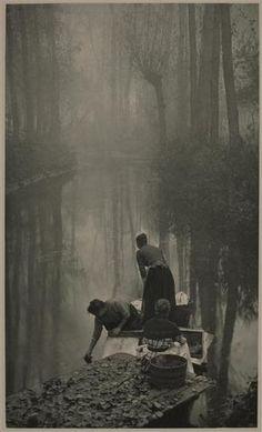 Les laveuses  by  Puyo Constant (1857-1933)