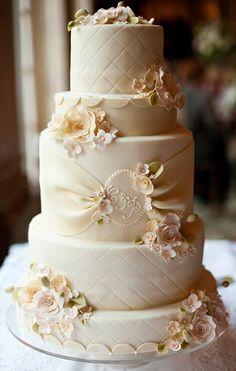 classic elegant wedding cake | Elegant Cake Design