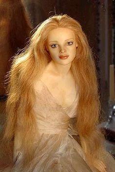 Wax art dolls by Eveline Frings.