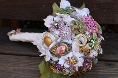 Des bouquets tout en bijoux | la fabrique à mariage