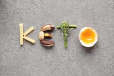 How do you start a keto or low-carb diet? We have delicious recipes, amazing meal plans, the best keto videos, and a supportive low-carb community to help dramatically improve your health. Welcome to Diet Doctor, where we make low carb simple. Dieta Atkins, Atkins Diet, Ketogenic Recipes, Diet Recipes, Keto Regime, Best Keto Breakfast, Breakfast Recipes, Breakfast Options, Keto Flu