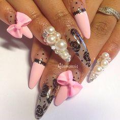 pink end black