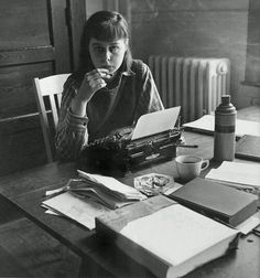 Author Carson McCullers c. 1950 by Rene Jacques Anne Sexton, Writers And Poets, Writers Write, William Faulkner, Book Writer, Book Authors, I Love Books, Photo Archive, Muse