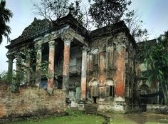 Abandoned mansion near Calcutta, India